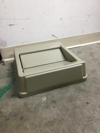 23 Gallon Square Trash Bin Lids
