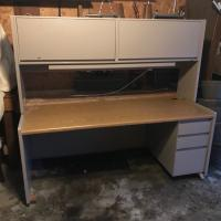 Steelcase 9000 desk and hutch